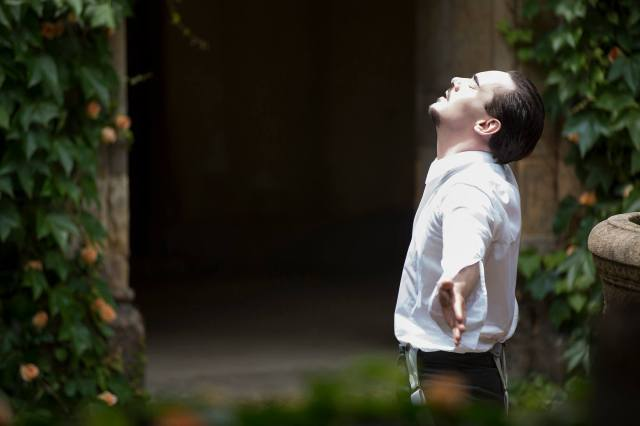 Jonathan Rhys-Meyers plays Dracula