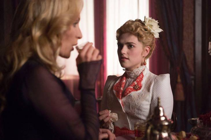 Lady Jayne Weatherby and Lucy Westenra