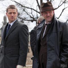 Gordon and Bullock at the Waynes' funeral