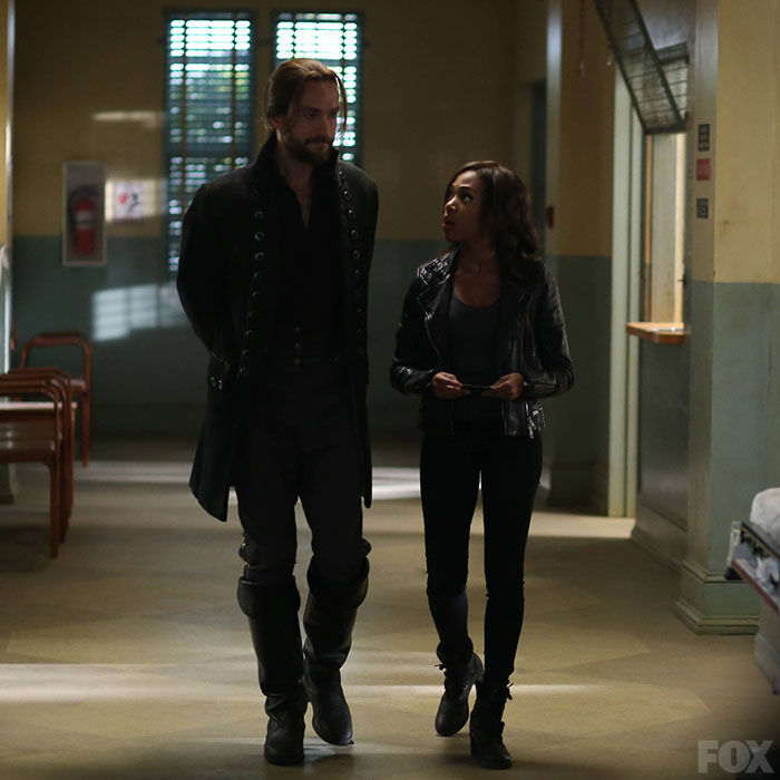 this is the cutest shot of Abbie and Ichabod ever