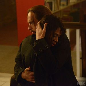 Ichabod embraces Abbie after her run-in with the Weeping Lady