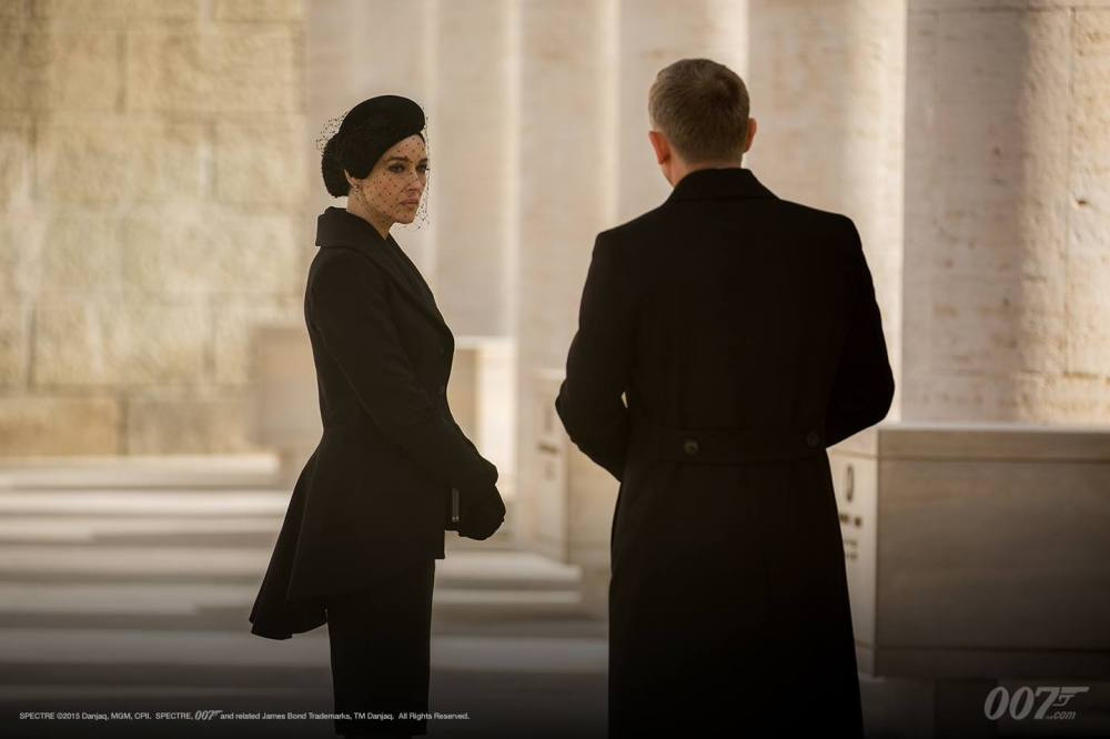 Monica Belluci as Donna Lucia and Daniel Craig as James Bond in SPECTRE